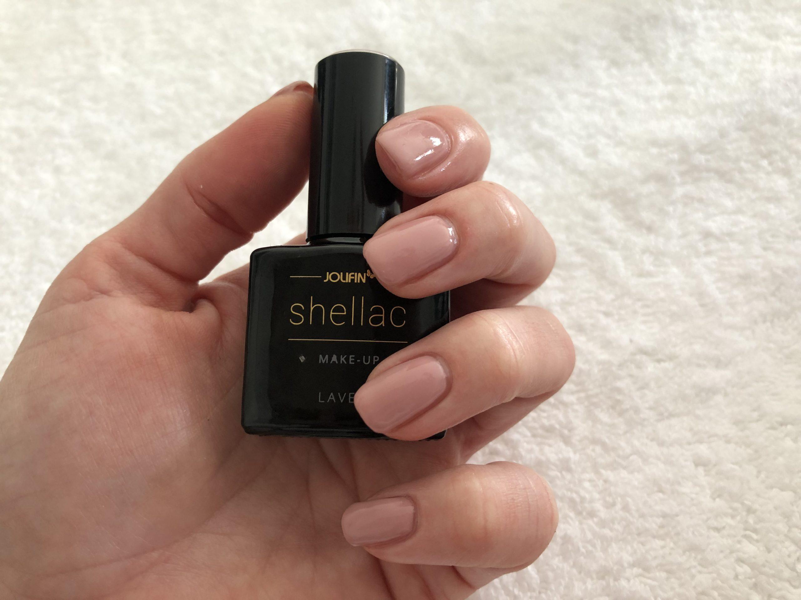 Fertige Shellac-Nägel
